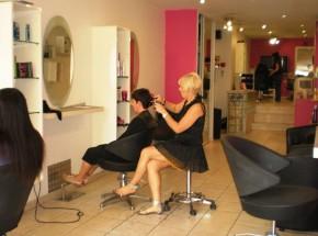 Un salon de coiffure condamn pour ses tarifs non paritaires juriguide - Salon mondial de la coiffure ...